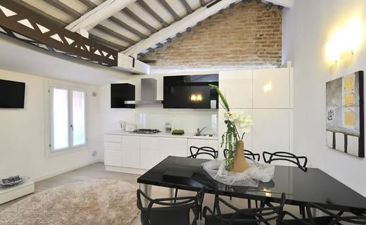 Venice Style Apartment